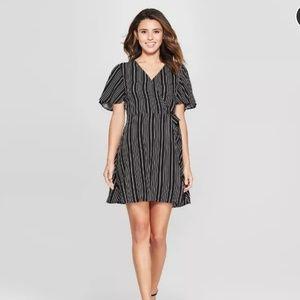 TARGET  Flowy ShortSleeve Wrap Dress Xhilaraiton